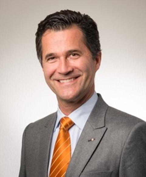 Docteur Patrick Assal, médecin dentiste dans notre cabinet dentaire à Lausanne. Dr Assal est le Directeur médical de Dentoffice.